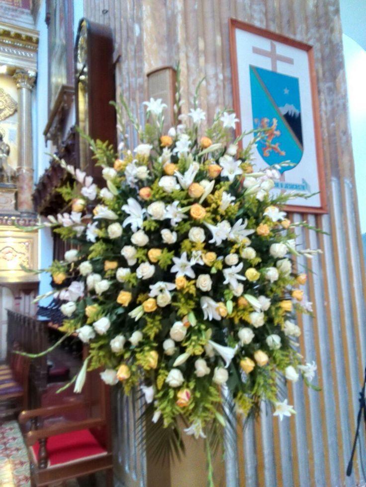 ramo altar mayor, Catedral de San Juan de Pasto Funeral