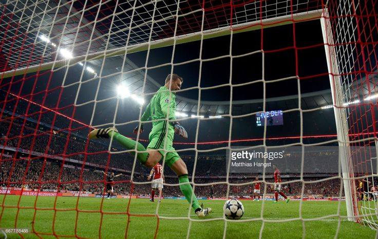 Manuel Neuer, goalkeeper of Muenchen reacts during the UEFA Champions League Quarter Final first leg match between FC Bayern Muenchen and Real Madrid CF at Allianz Arena on April 12, 2017 in Munich, Germany.