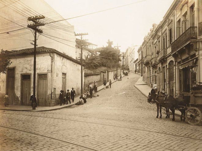 No primeiro plano, a rua 25 de Março em 1915                                                                                                                                                                                 Mais