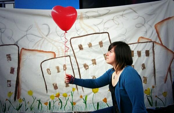Southampton Uni Student Union recreating the famous Banksy picture 'girl with the balloon' for Syria