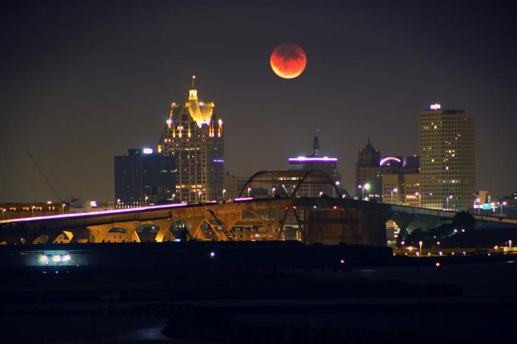 Bridge Super Blood Moon Photo by darlena moon — National Geographic Your Shot | We Heart It | beautiful, gorgeous, and lunar eclipse