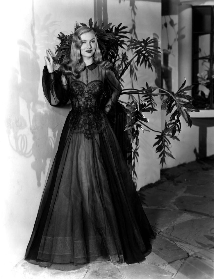 Veronica Lake, 1943 (gown by Edith Head)