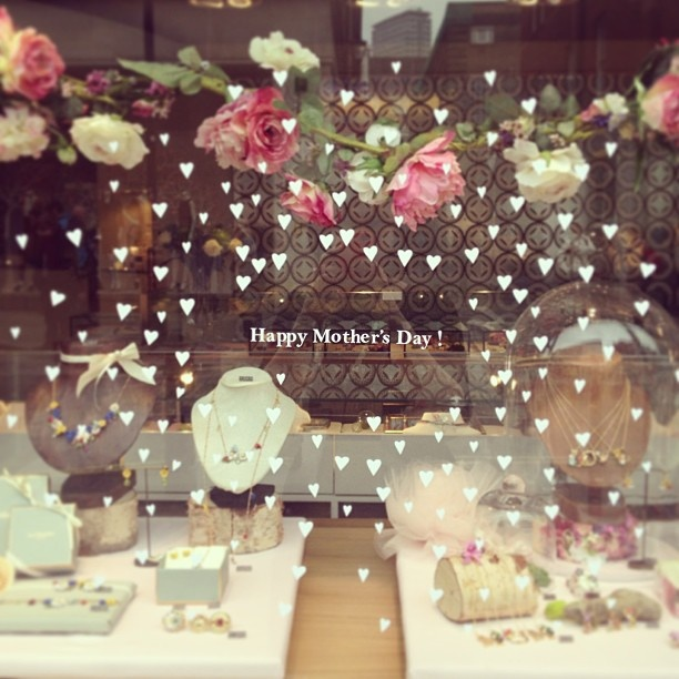Happy Mother's Day in London Shop
