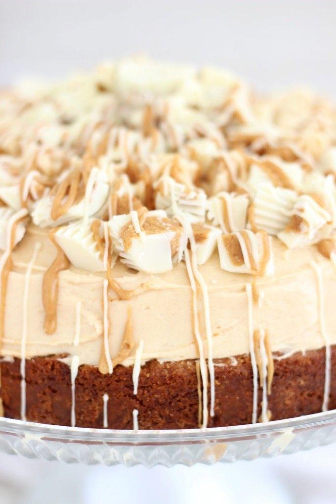 The Gold Lining Girl | White Chocolate Peanut Butter Blondie Cheesecake | http://thegoldlininggirl.com