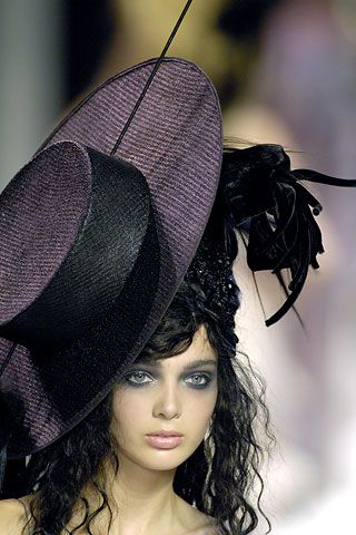 Now that's a hat! Christian Lacroix - FW07: Brain Injury, Mad Hatters, Lady Hats, Christian Lacroix, Couture Collection, The Brain, Royals Wedding, Fall Winter, Haute Couture