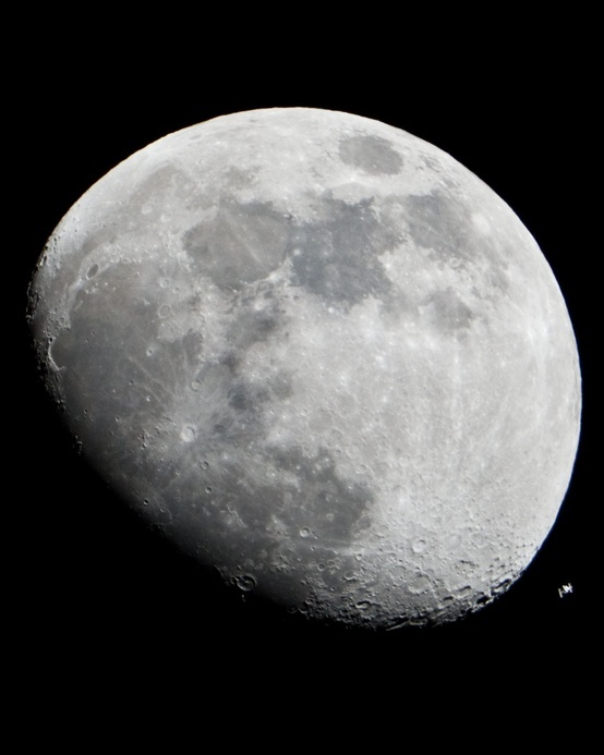 moon pic: International Spaces, Pics Outathisworld, Moon Pics, Earth Spaces, Spaces Travel, Luna Moon, Night Sky, Planets Earth, The Moon
