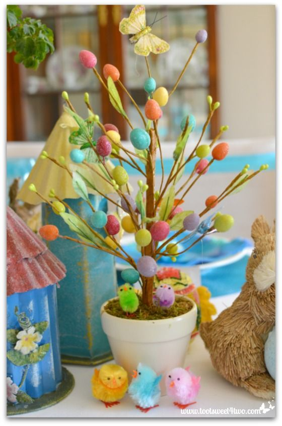 Decorating the Table for an Easter Celebration