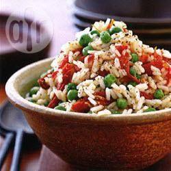 Foto recept: Mediterrane rijst met doperwten en zongedroogde tomaten