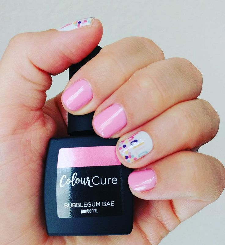 Woot Woot another #sneakpeek of #colourcurejn so pretty right? And SO easy to apply love this mani it's adorable :) And who doesn't love a #pinkmanicure