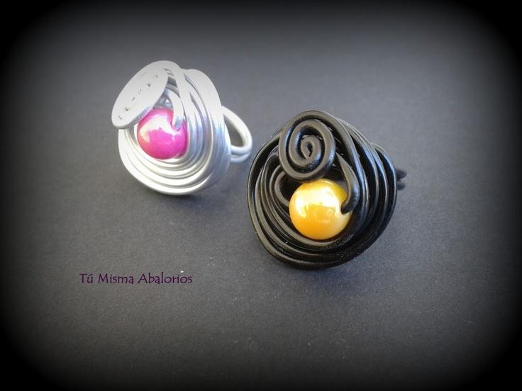 Anillos aluminio y perlita color www.tumismaabalorios.blogspot.com