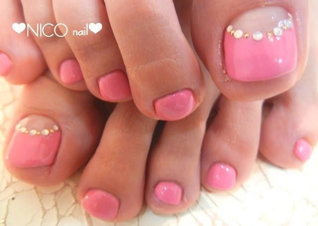 Pedicure, Toe Nail Art: Pink with a twist