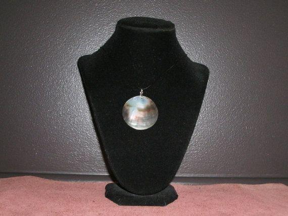 Mother of Pearl Pendant / Pendentif Coquillage Nacré (JORV004)