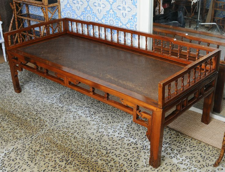 antique chinese elmwood opium bed or daybed antiques day bed and for sale. Black Bedroom Furniture Sets. Home Design Ideas