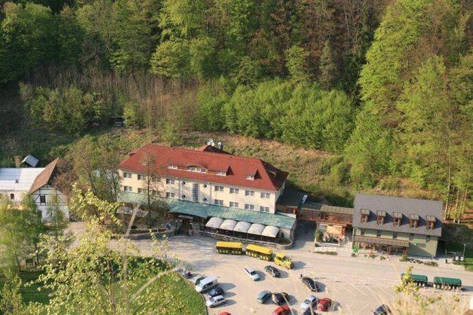 Kudy z nudy - Hotel Skalní mlýn v Moravském krasu