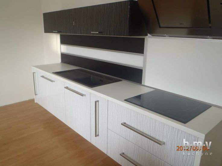 Lesklý dekor - BMV Kuchyne