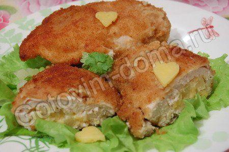 рецепт Куриная грудка, фаршированная ананасами и сыром