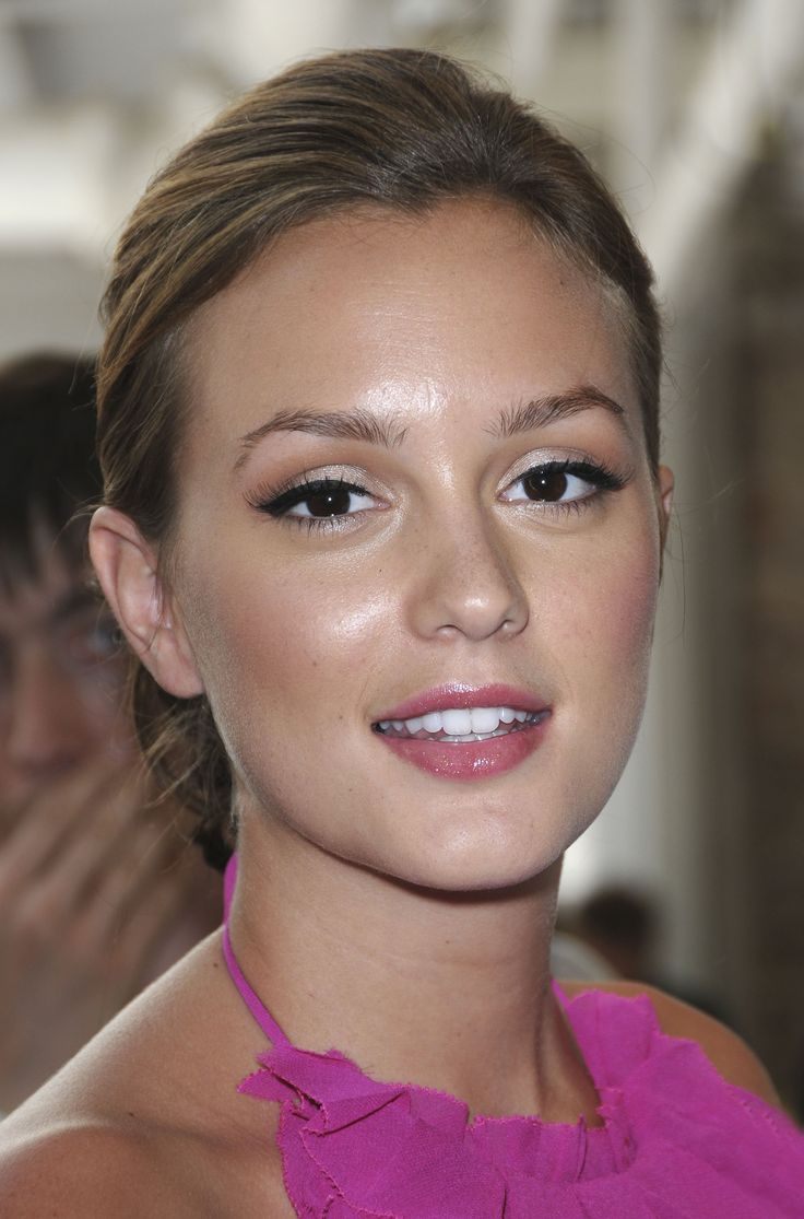 big lashes, winged liner makeup leighton meester