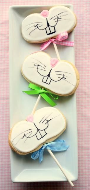 Repinned: Funny Bunny Cookies on a stick.