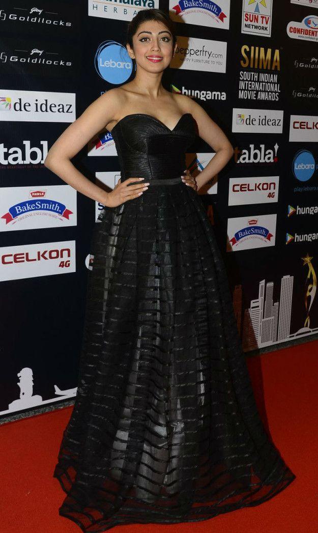 Pranitha Subhash | Here Is What Celebrities Wore To The 2016 SIIMA Awards