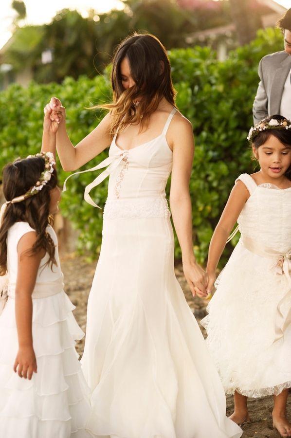 Bohemian Hawaiian WeddingBest 20  Hawaiian wedding dresses ideas on Pinterest   Tropical  . Hawaii Wedding Dress. Home Design Ideas