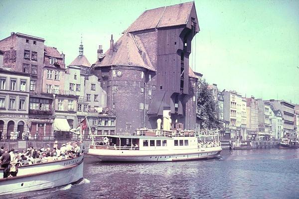 Statki wycieczkowe na Motławie około roku 1940 / Cruises on Motlawa River about year 1940   photo: www.danzig-online.pl