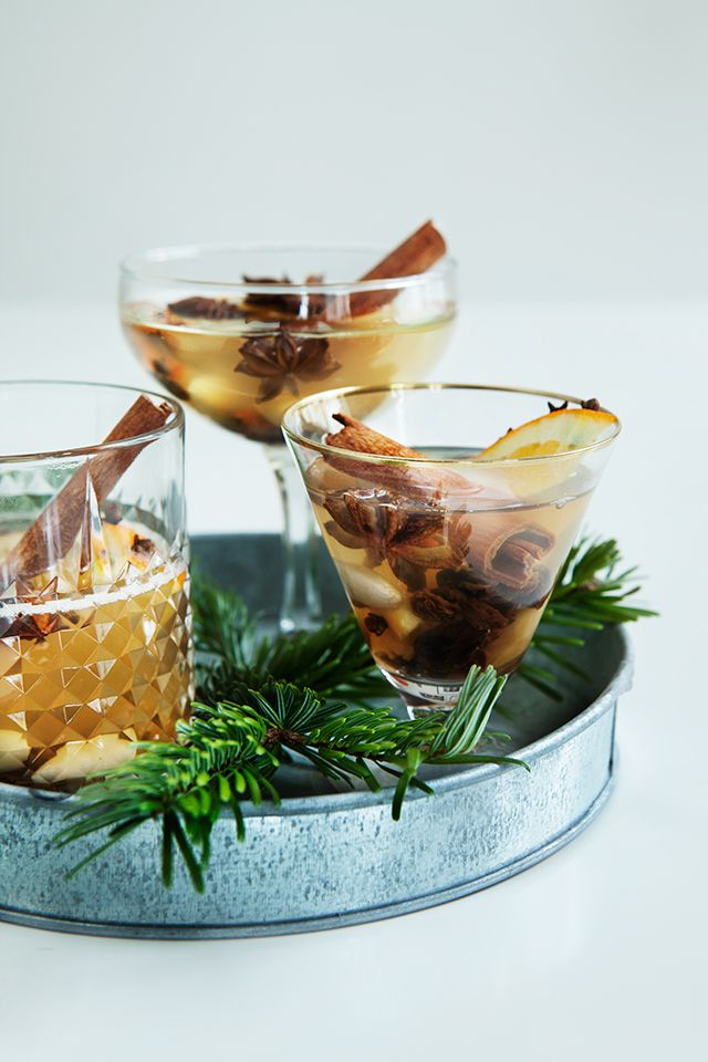 Mulled Wine | seems like a very versatile recipe that would be easy to style with cinnamon and goodies. could do a cranberry variation with red wine as well