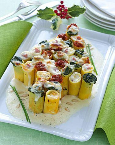 Albero di paccheri gratinati Un primo piatto sostanzioso e natalizio con la tipica pasta napoletana