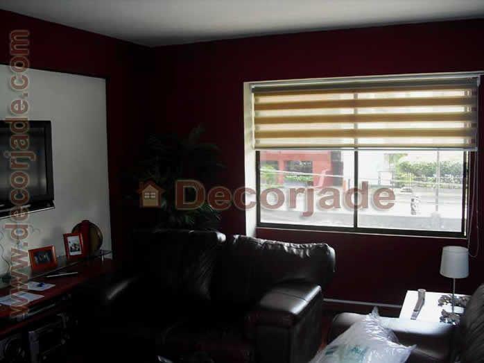 Cortinas roller zebra para sala en tela color crema for Telas para cortinas modernas