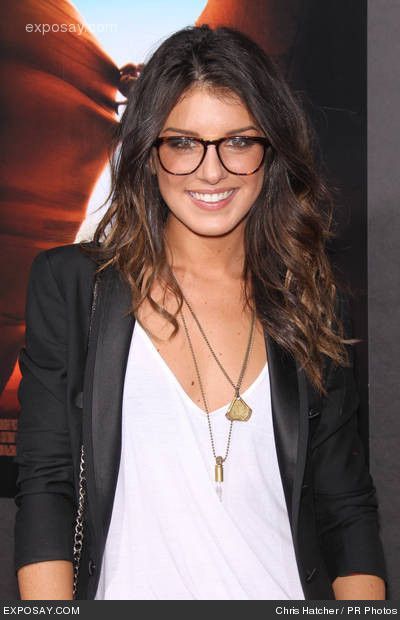 #girlsinglasses...the girl who thinks she looks nerdy while wearing glasses---a total turn on. I love smart women!! Better than a dumb pretty face #anyday!!