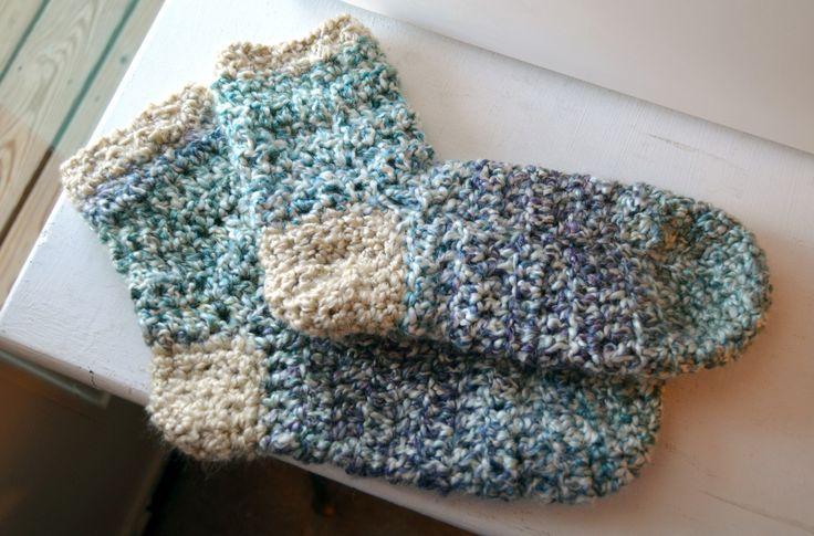 Crochet Flower Pattern Bulky Yarn : bulky yarn crochet socks Crochet Pinterest