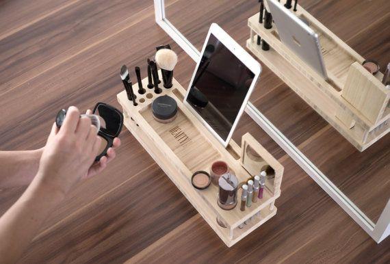 Stazione di bellezza: Trucco Organizzatore e vetrina con Docking Station per cellulari e tablet