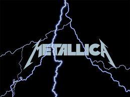 Metalica  Banda estadounidense de Heavy Metal formada en 1981 en Los Ángeles alrededor de los daneses Lars Ulrich y James Hetfield. A ellos se unieron, al principio, Lloyd Grant y Ron McGovney, pronto sustituidos por el guitarrista Dave Mustaine y el bajista Cliff Burton, respectivamente. En 1982 Kirk Hammett ocupó el lugar de Mustaine; en 1986, la muerte de Cliff Burton en un accidente llevó al grupo a Jason Newsted, que sería sustituido quince años después por el bajista Robert Trujillo.
