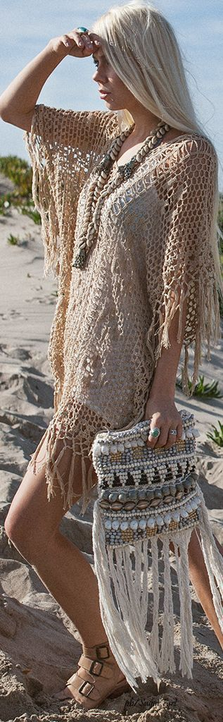 Fringe on fringe on fringe. Love this beaded clutch bag and chunky shell necklace