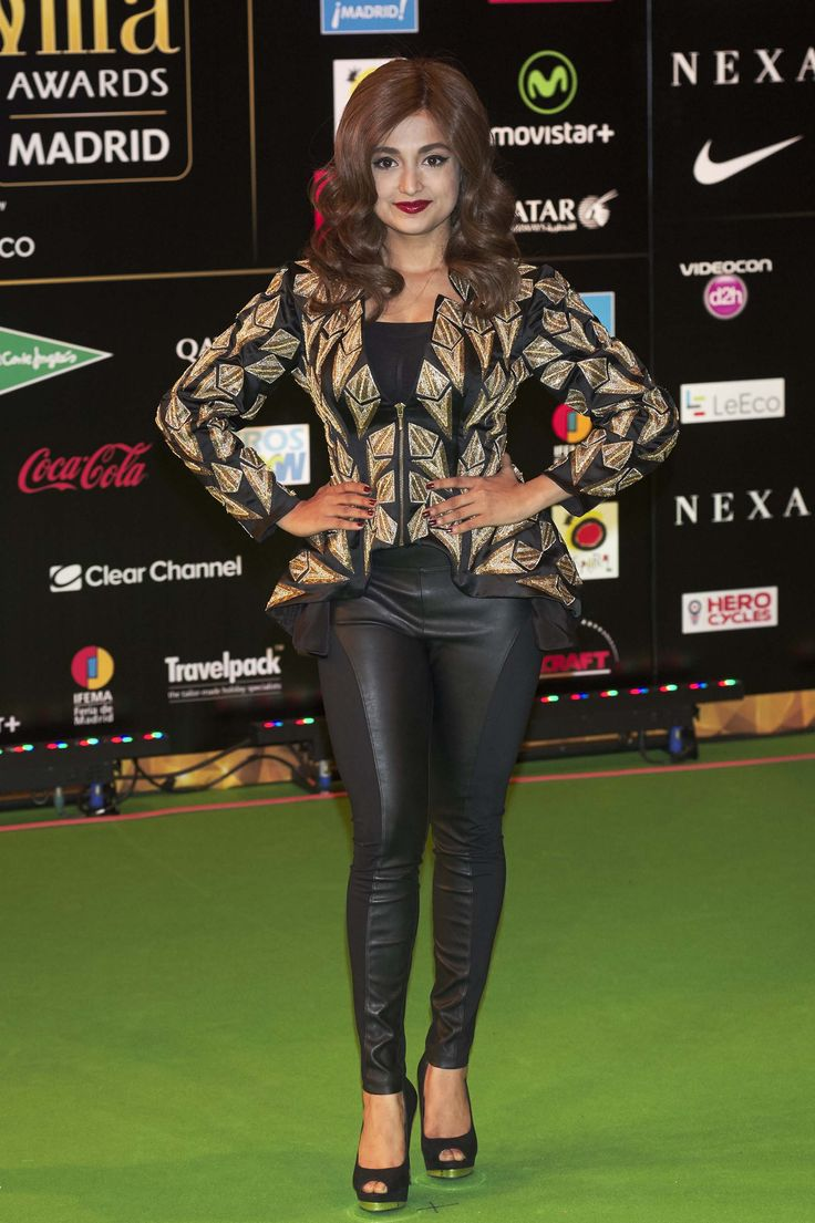 Monali Thakur attends the 17th IIFA Awards