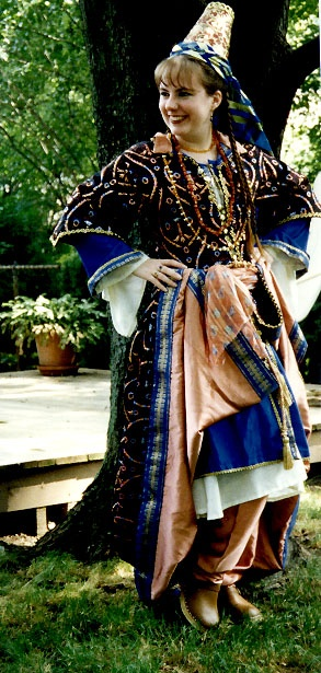the dress worn by a Turkish lady ca. 1600 (click on 'main page' to see more images of this outfit and its layers)