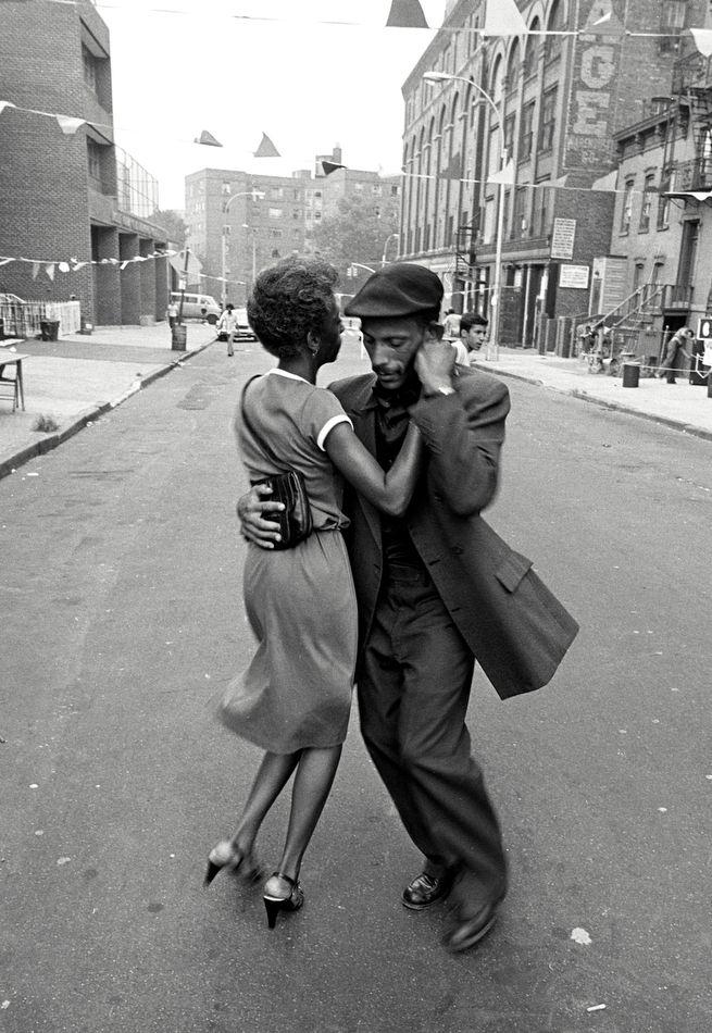 David Gonzalez, Dancers in Mott Haven, The Bronx, August 1956, in Seis del Sur, Bronx Documentary Center