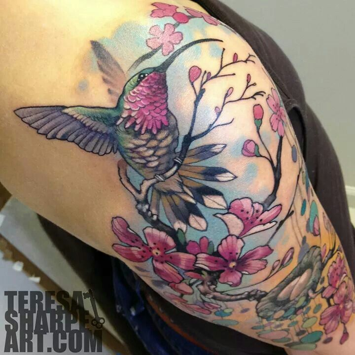36 best images about humming bird on pinterest for Hummingbird hip tattoo