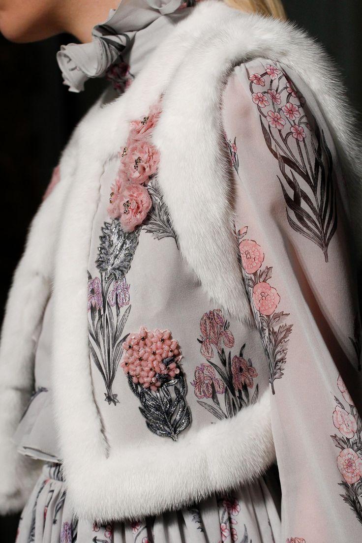 Giambattista Valli Spring 2017 Couture Fashion Show Details