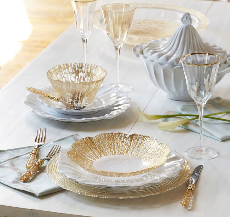 Vietri Ruffle Glass Dinnerware - effortlessly elegant with so many gorgeous pieces. Create a truly unique tablescape : vietri dinnerware - pezcame.com