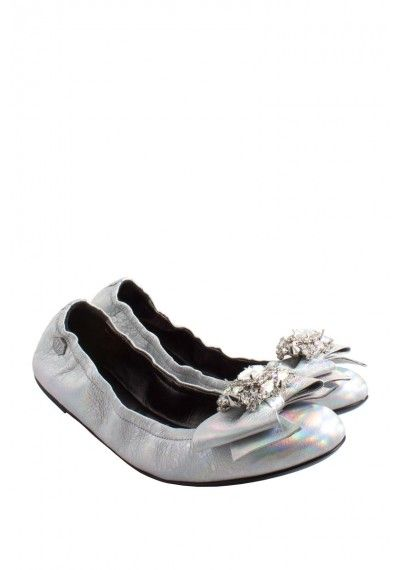 Philipp Plein - 'Ribbon Ribbon' Ballerinas Silver - If you´re a real fashion lover, then you´ll definately love this pair! They come with a big rhinstone. Wear them with jeans and a silk blouse.