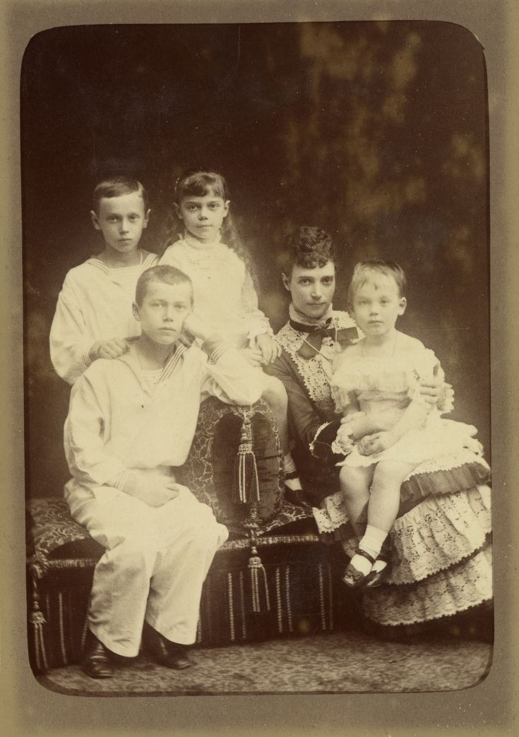 Maria Feodorovna, Empress of Russia with her four eldest children
