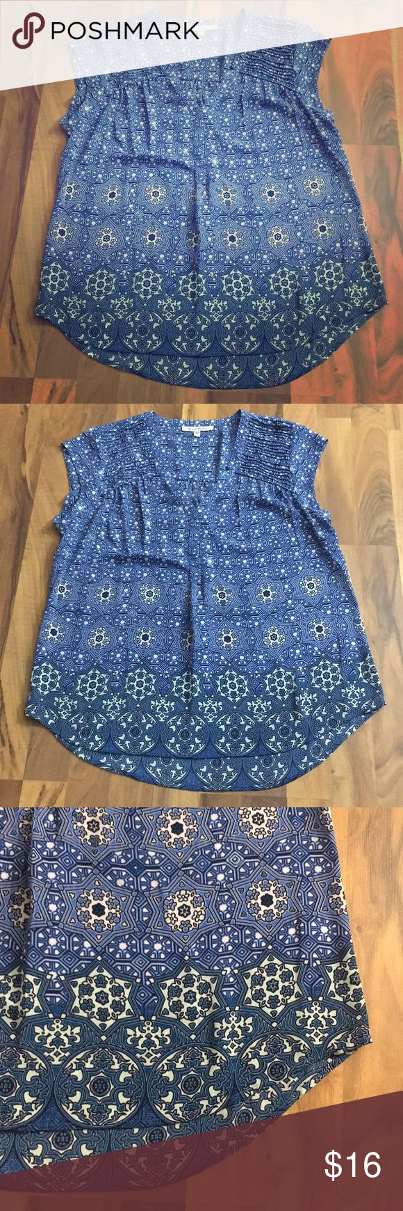 Black Rainn Size Large Blue Geo Print Boho Top This top is up for sale! Great condition! Cute!  ❤ Mix Of blues and white, slightly sheer ❤ Pleated shoulders, Vneck ❤ lightweight, flowey ❤ Size Measured in Pictures 🔍📏   ✅ Bundle up 3 items and save 💲✅  ❤️I love reasonable offers. ❤️ 🎉 Pair with our jewelry, acc. or purses 🎉 🆕🆕 New items every week! 🆕🆕 black rainn Tops Blouses