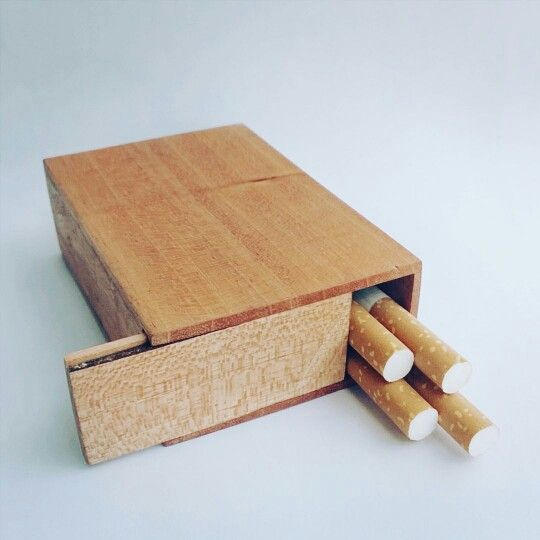 DIY cigarettes wooden case