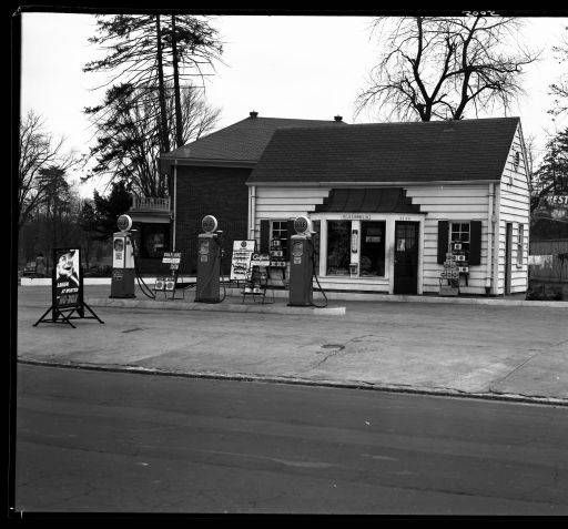 Gulf Gas Station Louisville Kentucky 1939 Royal Photo Company Collection Historic