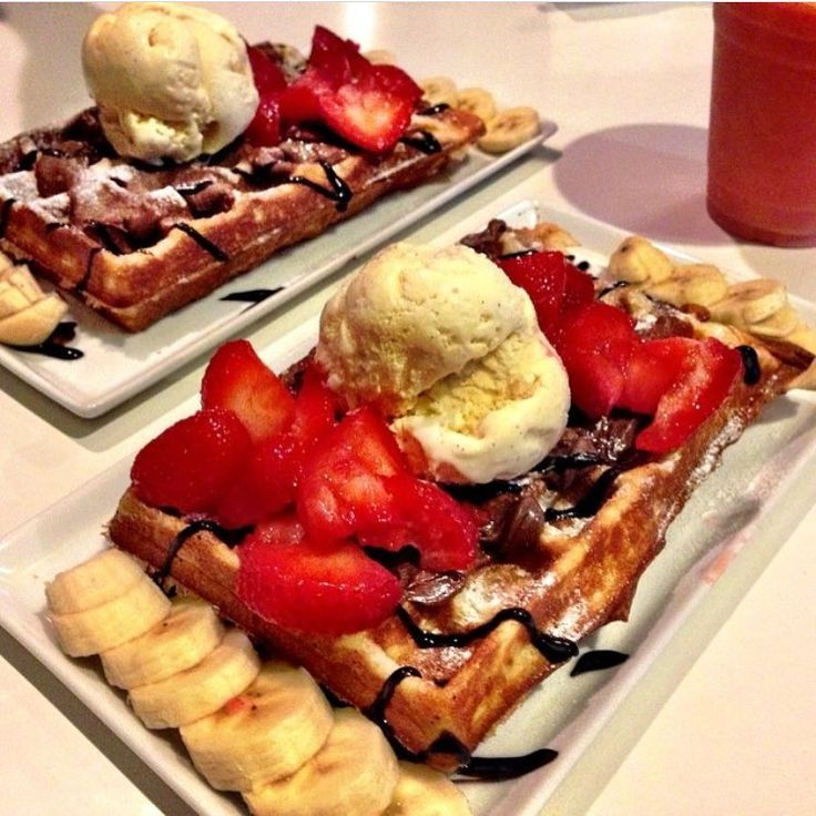 💗💖💗Saved by Ebony💗💖💗From @syrupdesserts making our #nutella strawberry #waffles extra delicious here in @happeningindtla 😋  💞💖💞