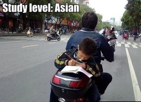 OĞUZ TOPOĞLU : işte adam olacak çocuk örnek 3 motosikletin arkası...