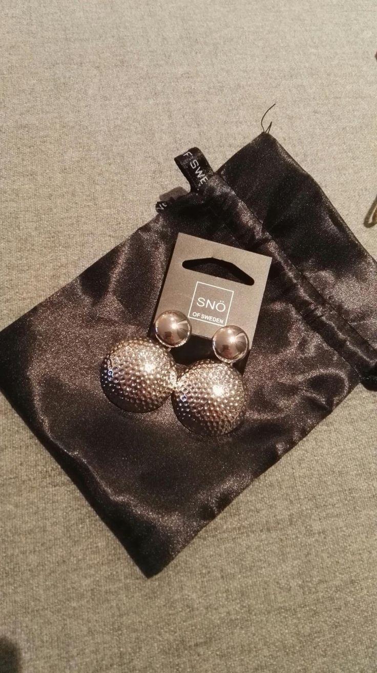 FINN – Selger diverse smykker, armbånd, øredobber, ringer