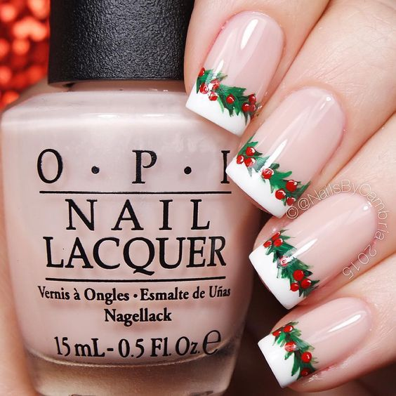 Chrismas Holly Garland French Nails: