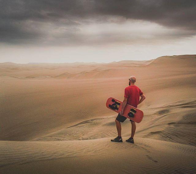 Sandboarding in the peruvian desert. What a thrill.....  . . . #ica #desert #dune #sand #peru #southamerica #discoversouthamerica #travel #travelphotography #travelgram #passionpassport #neverstopexploring #earthpix #thegreatoutdoors #nature #lifeofadventure #mothernature #landscape #landscapephotography #letsgosomewhere #picoftheday #wanderlust #ourplanetdaily #stayandwander #backpackersjournal #wildernessculture #wonderful_places #exploretocreate #hiking #theglobewanderer
