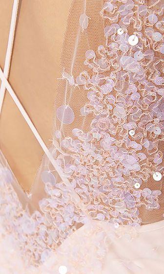 Короткое платье с пайетками | marc-cain.com/en